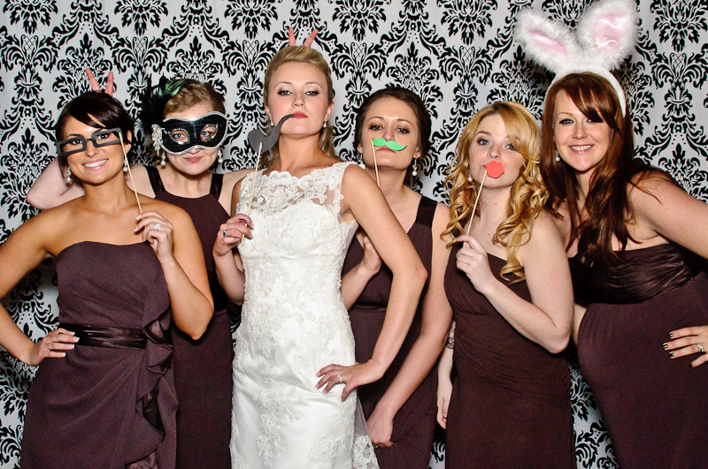 wedding-photobooth-bride-bridesmaids Nashville Wedding Photo Booth | Amanda + Justin