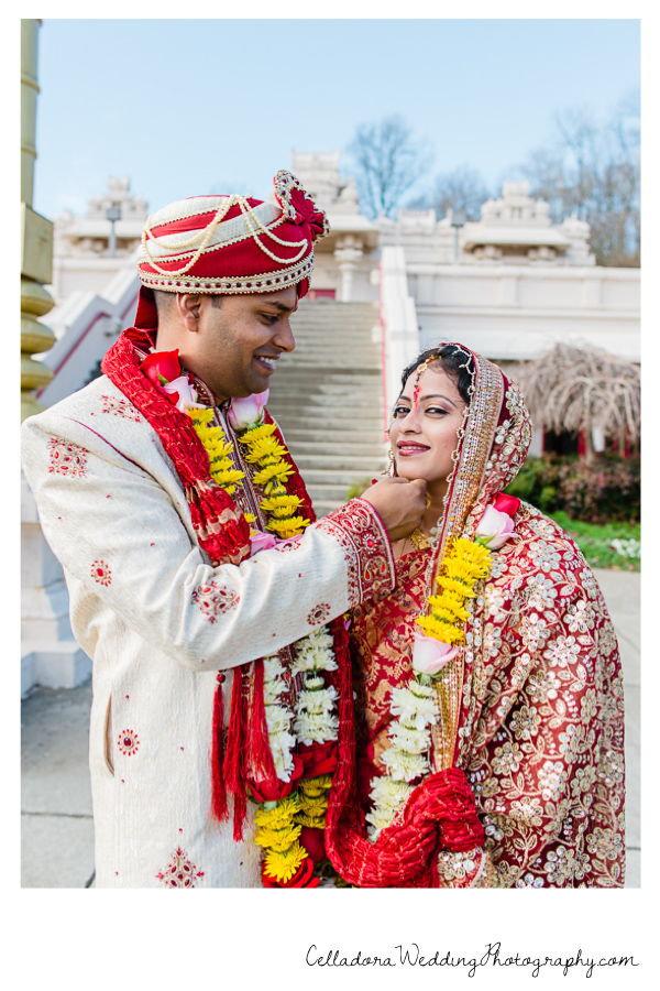 Indian Wedding Couple 200x300