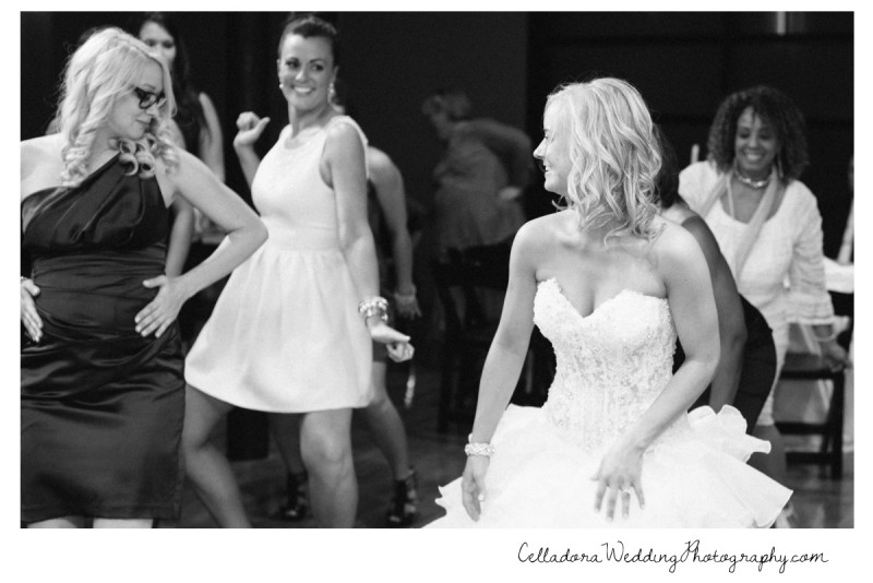 bride-dancing-with-friends-800x534 Nashville Wedding Photography   WO Smith Music School