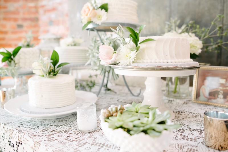 happy-payne-nashville-wedding-cakes-800x533 One Cannery Ballroom Nashville 4th of July Wedding | Brian and Jenna