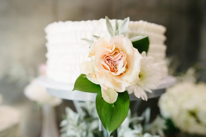 nashville-wedding-cake-800x533 One Cannery Ballroom Nashville 4th of July Wedding | Brian and Jenna
