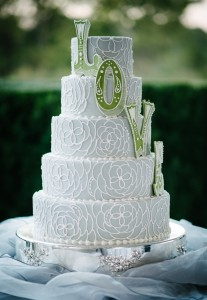 dawnjoy-wedding-cake-207x300 dawnjoy-wedding-cake