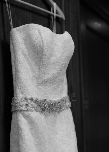 elegant-black-and-white-wedding-dress-216x300 Elegant Black and White Dress Photography