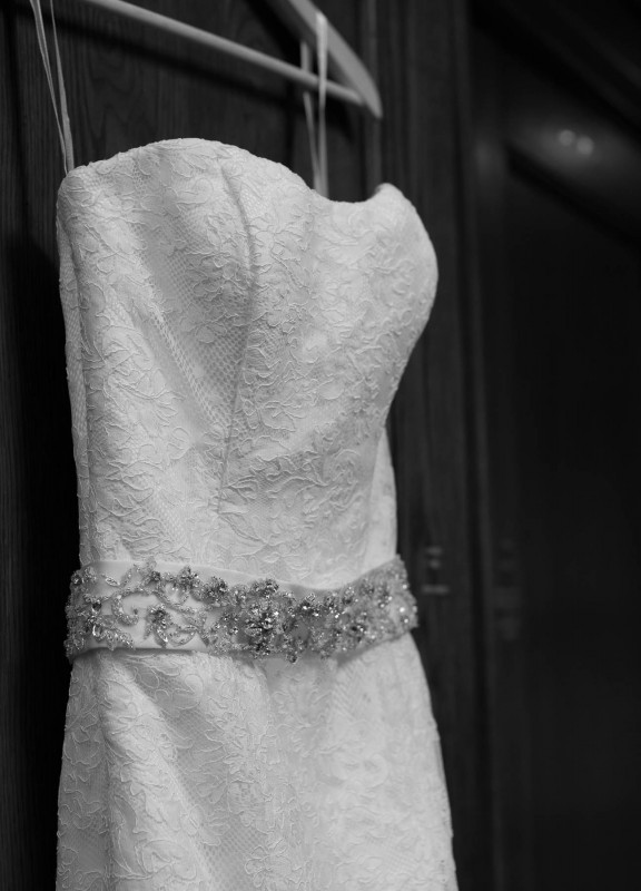 elegant-black-and-white-wedding-dress-576x800 Photographing the Wedding Dress | Top Pins on Pinterest
