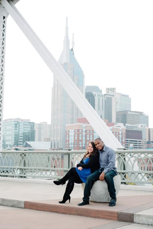 nashville-skyline-pedestrian-bridge-engagement-photos-534x800 Engagement Photo Ideas
