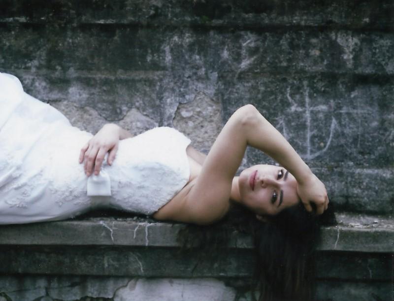 bridal-photos-on-polaroid-800x611 Brides Shot on Polaroid Instant Film