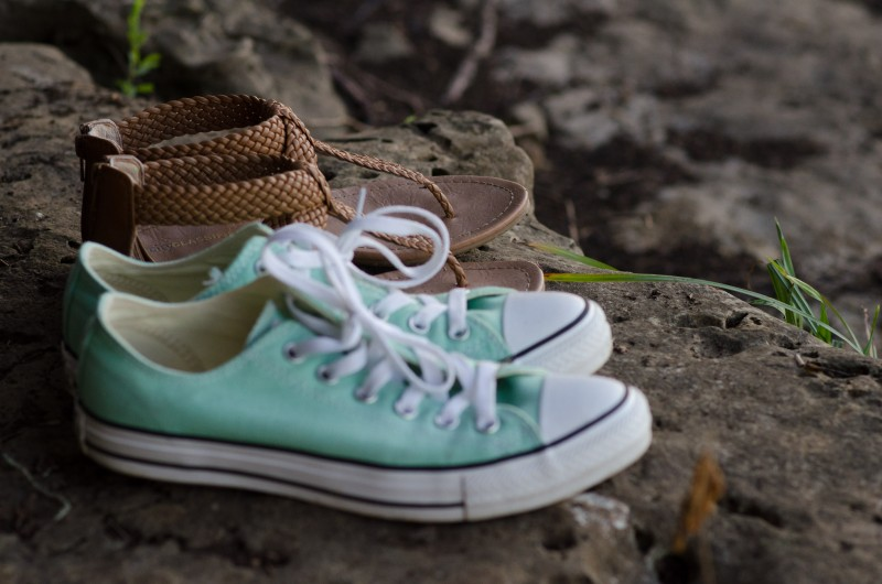 converse-and-sandals-800x530 Brittney and Justin's Outdoor Tennessee Engagement Session