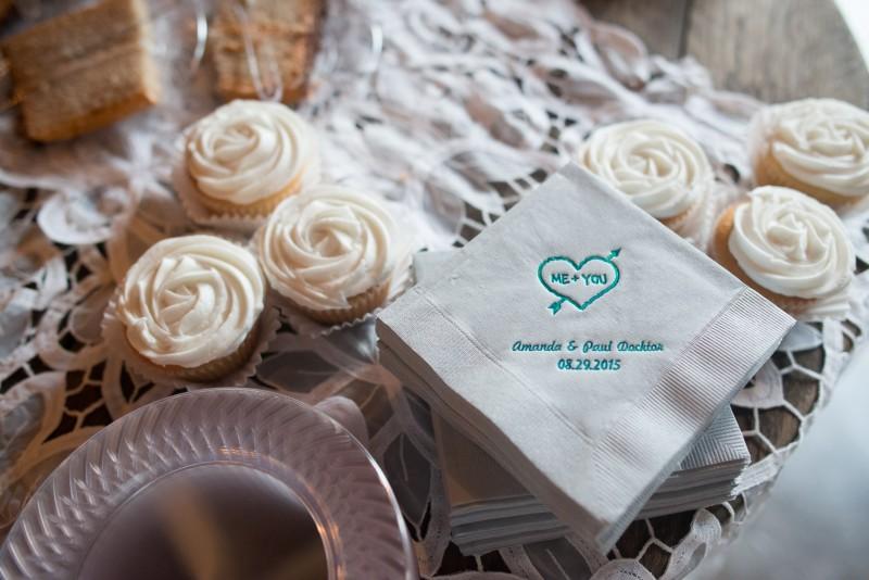 wedding-cupcakes-800x534 Outdoor Barn Wedding | Murfreesoro, TN | Paul and Amanda