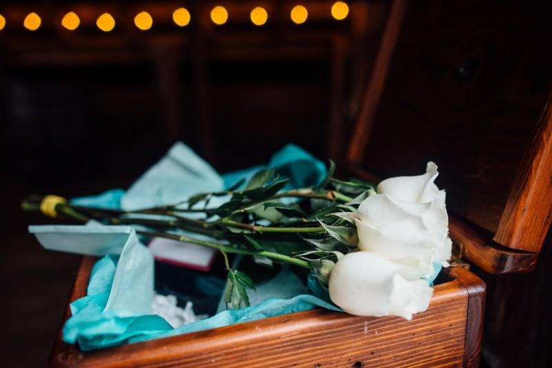 wedding-roses-800x534 Outdoor Barn Wedding | Murfreesoro, TN | Paul and Amanda
