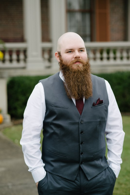 groom-with-epic-beard1-534x800 Two Rivers Mansion Fall Wedding | Kristen and Chris