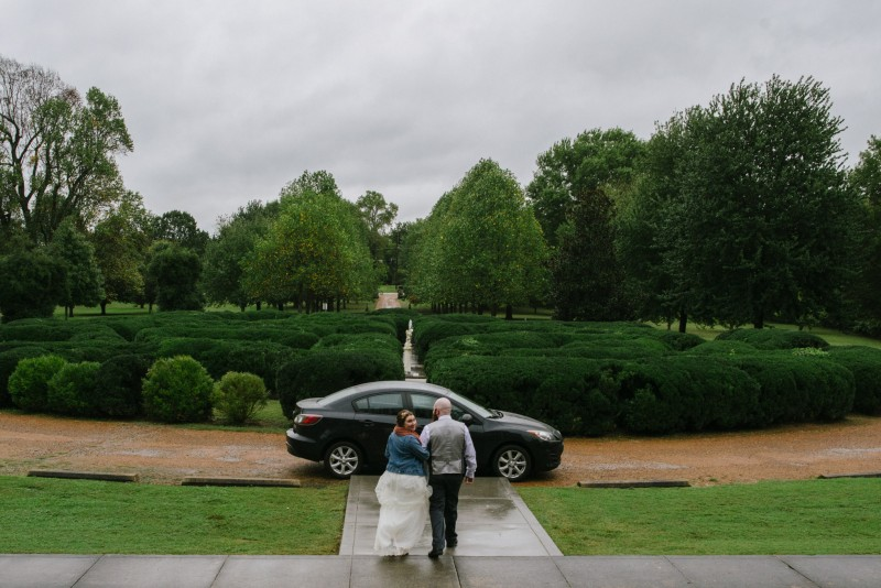 rainy-wedding-day-800x534 Two Rivers Mansion Fall Wedding | Kristen and Chris