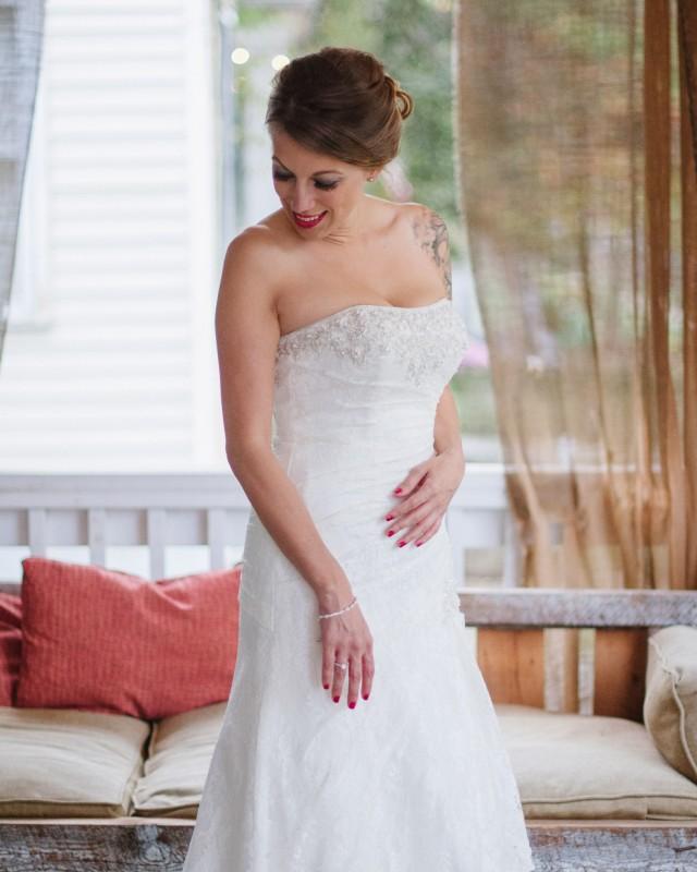 beautiful-nashville-bride-640x800 Intimate East Nashville Wedding | Nichole and Petey