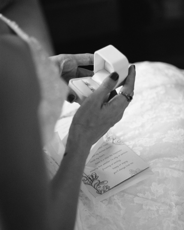 bride-wedding-gift-earrings-640x800 Intimate East Nashville Wedding | Nichole and Petey