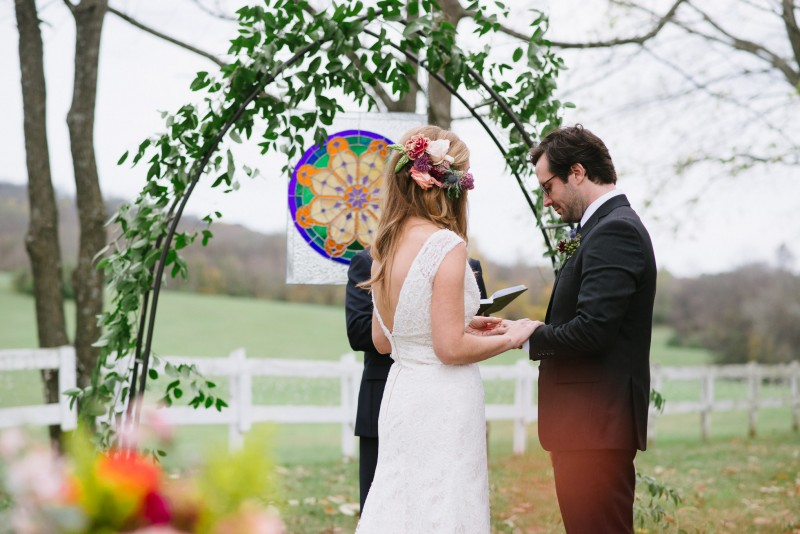 exchanging-rings-800x534 Laurie + Craig - Antrim Wedding   Columbia, TN