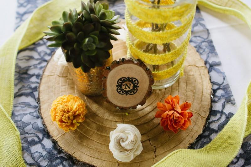 wooden-centerpieces-800x534 Elisa + Jerrad Wedding | Balinese Ballroom | Memphis, TN