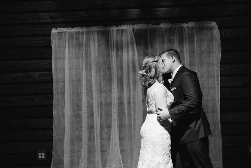 bride-groom-kissing-800x534 Rachel + Kyle | Nelson Andrews Lodge | Nashville, TN