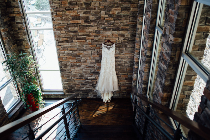 dress-hanging-bottom-of-stairs-800x534 Rachel + Kyle | Nelson Andrews Lodge | Nashville, TN
