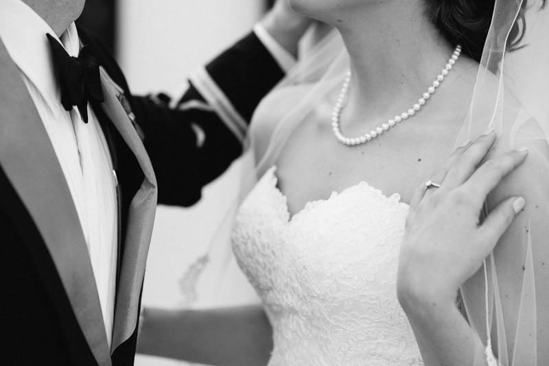wedding-ring-800x534 Julia and Wes | Nashville, TN Winter Wedding | Gaylord Opryland Hotel