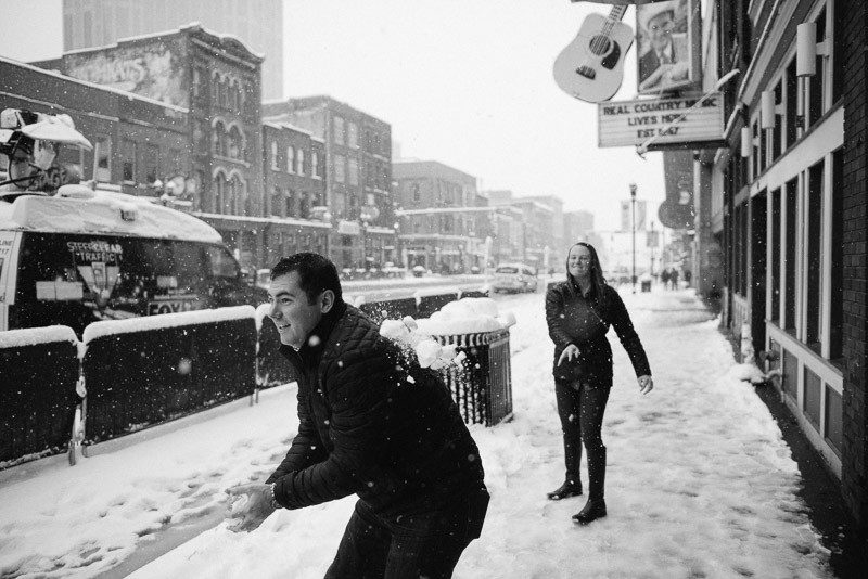 snowball-fight-nashville-800x534 Sara and Ryan | Nashville Winter Snow Engagement Session