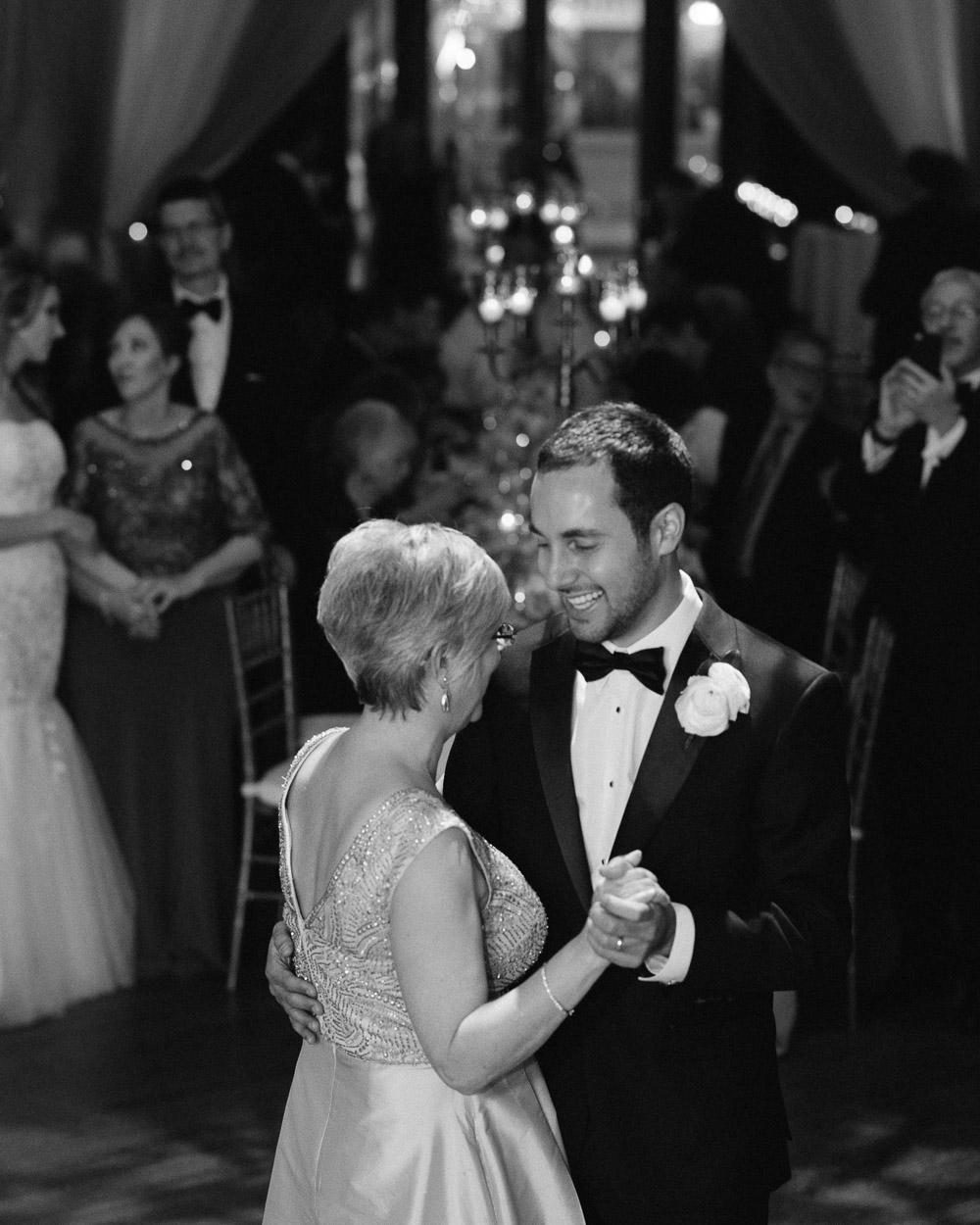 nashville-wedding-photographer-46 Downtown Nashville Wedding | Andrea + Ted | The aVenue