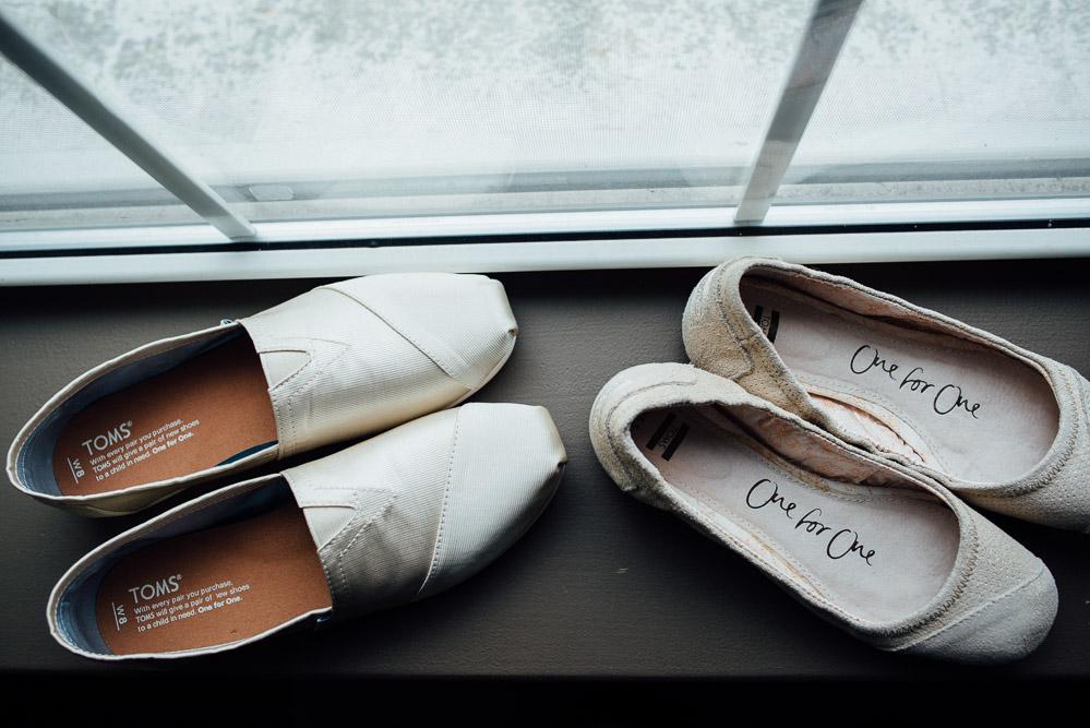 wedding-toms-shoes Amy + Tara | Travellers Rest Plantation Wedding