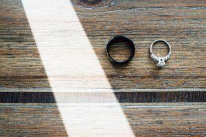 creative-wedding-ring-photo-300x200 creative-wedding-ring-photo