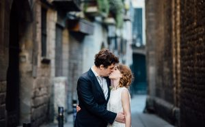 BARCELONA-STREET-KISS-300x186 BARCELONA-STREET-KISS