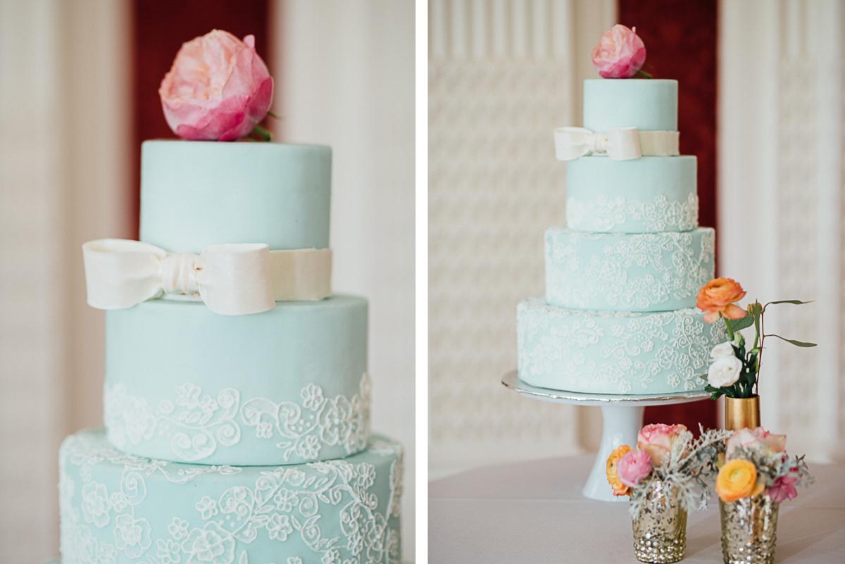 light-blue-wedding-cake-with-bow | Celladora Wedding Photography