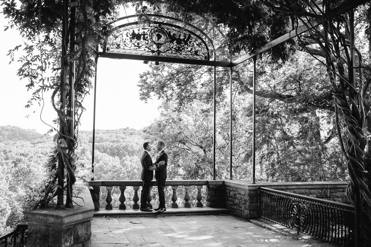 nashville-wedding-portraits Cheekwood Garden Wedding | Tom and Guy