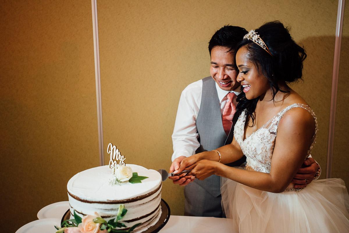 cutting-cake Costa Rica Destination Wedding