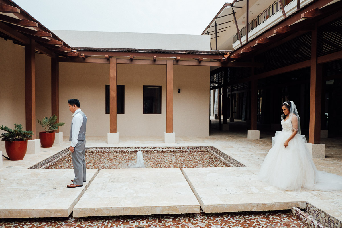 first-look Costa Rica Destination Wedding