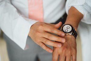 groom-watch-300x200 groom-watch