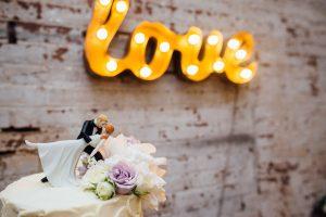 love-cake-topper-dip-300x200 love-cake-topper-dip