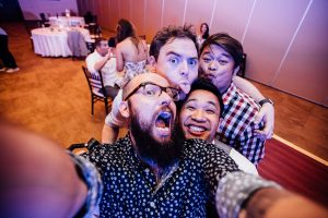 photographer-wedding-selfie-300x200 photographer-wedding-selfie