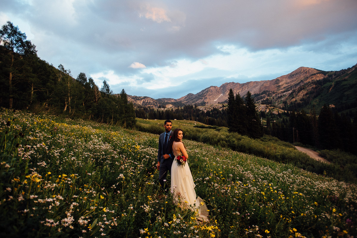 bride-groom-cotton-candy-skies Salt Lake City | Mountain Wedding Inspiration