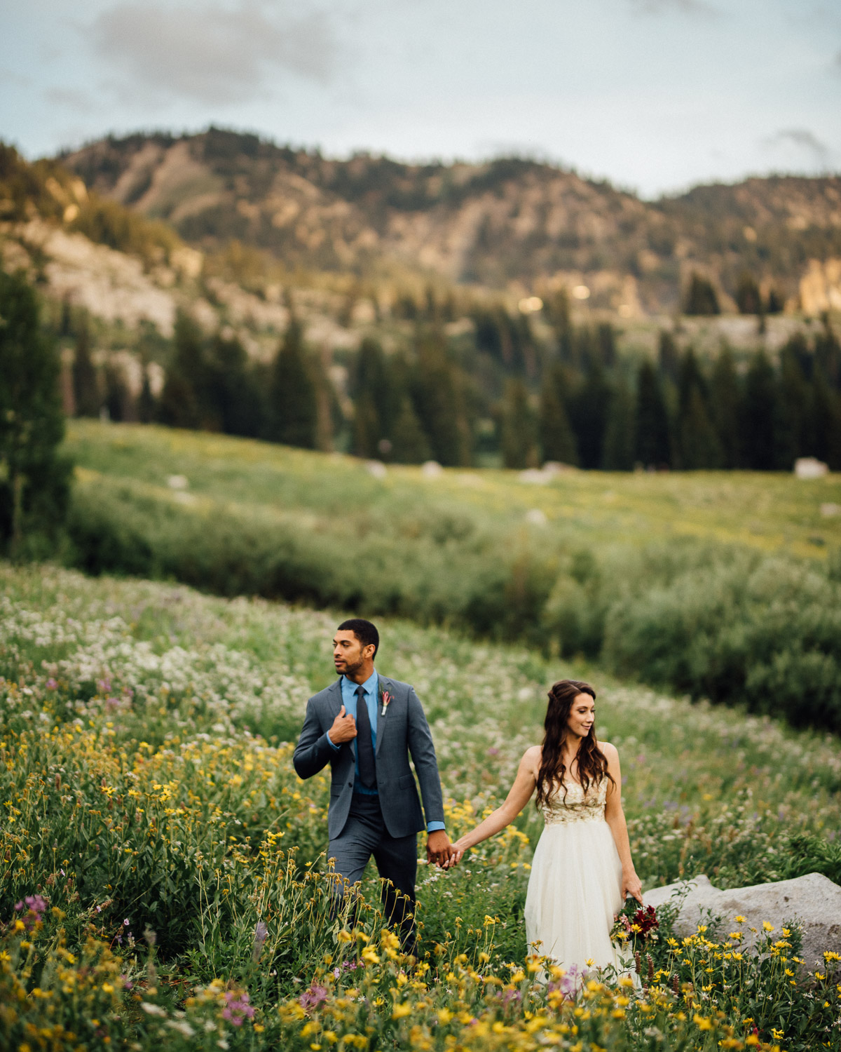 bride-groom-in-mountains Salt Lake City | Mountain Wedding Inspiration