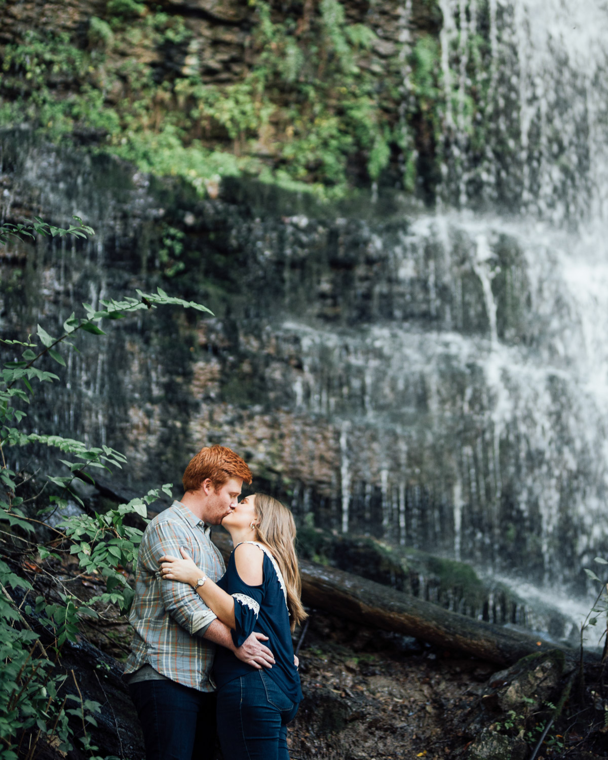 kissing-waterfall Rock Island State Park Engagement Photos