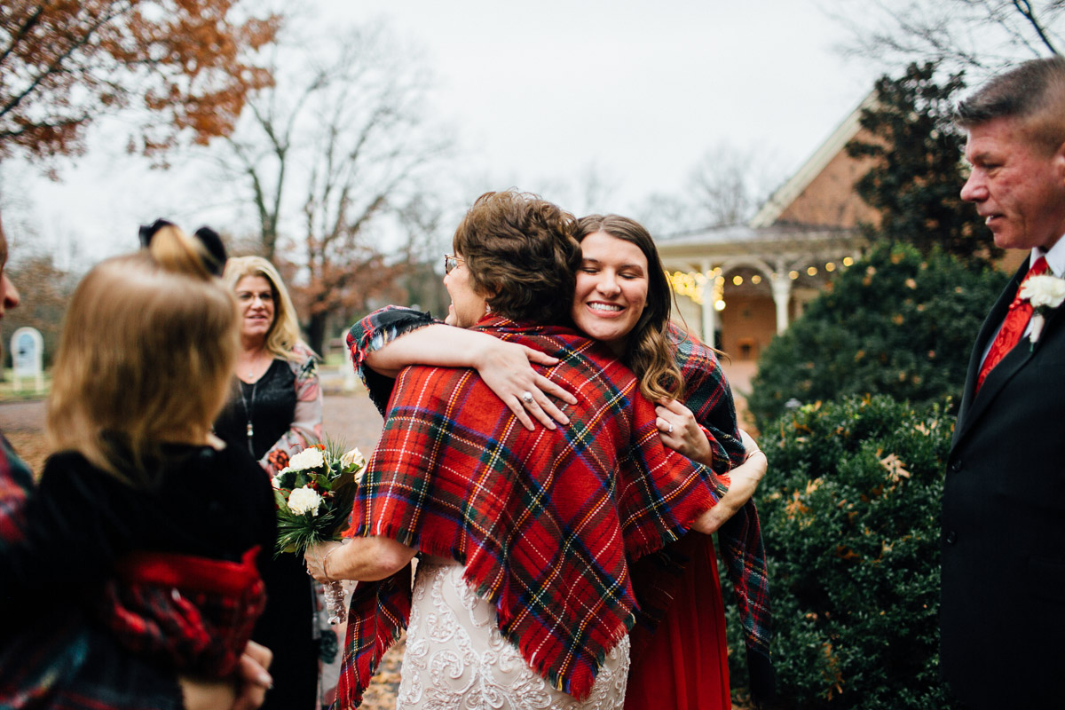 christmas-wedding-13-1 Cozy Christmas Wedding | Oaklands Mansion - Murfreesboro, TN