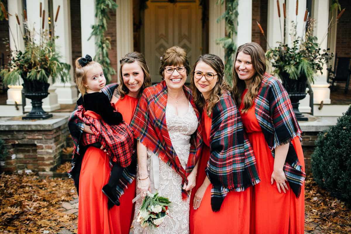 christmas-wedding-16-1 Cozy Christmas Wedding | Oaklands Mansion - Murfreesboro, TN