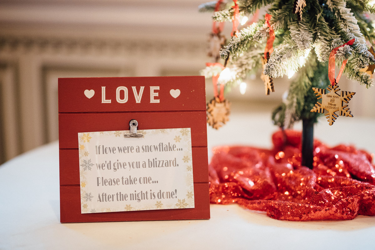christmas-wedding-2-1 Cozy Christmas Wedding | Oaklands Mansion - Murfreesboro, TN