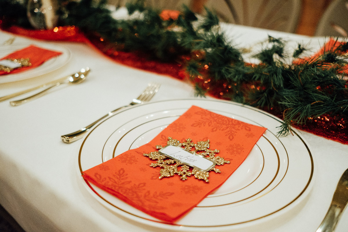 christmas-wedding-20-1 Cozy Christmas Wedding | Oaklands Mansion - Murfreesboro, TN