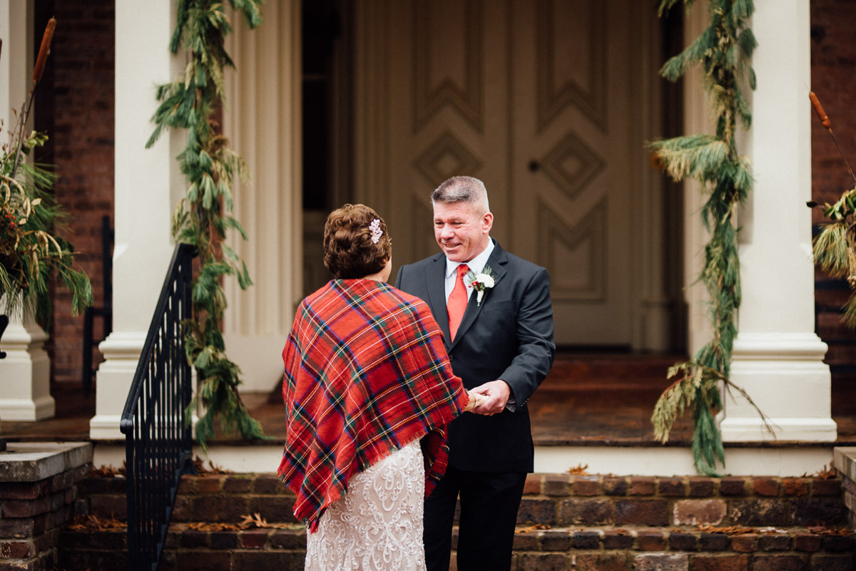 christmas-wedding-5-1 Cozy Christmas Wedding | Oaklands Mansion - Murfreesboro, TN
