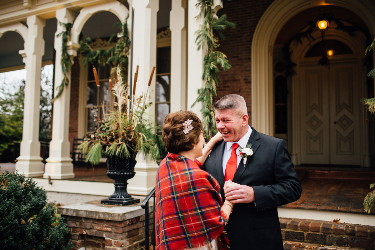 christmas-wedding-6-1 Cozy Christmas Wedding | Oaklands Mansion - Murfreesboro, TN