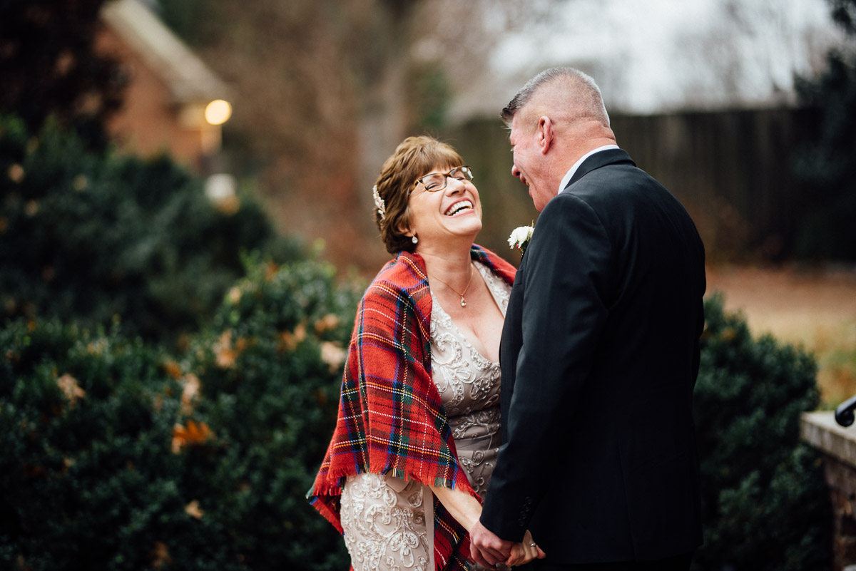 christmas-wedding-8-1 Cozy Christmas Wedding | Oaklands Mansion - Murfreesboro, TN