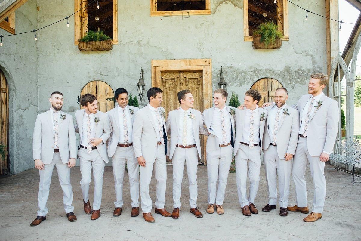 groomsmen-portrait-inspo-1 Cason's Cove Alvaton, KY | Nicole + Austin