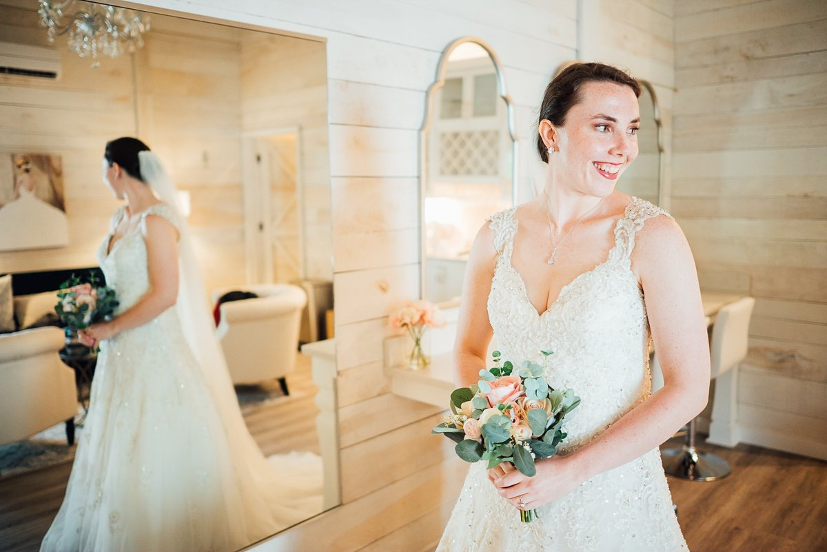 bridal-suite-white-dove-barn Laura + Robert | White Dove Barn Wedding