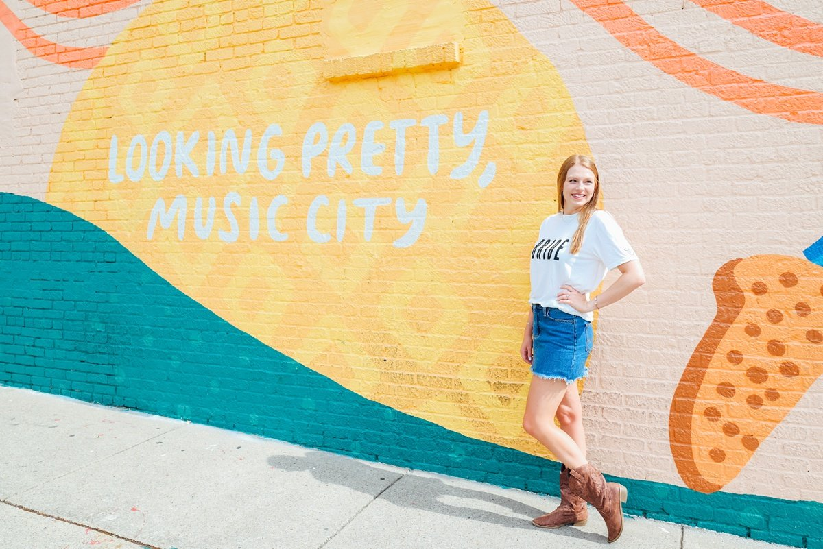 looking-pretty-music-city Nashville Bachelorette Weekend Photoshoot
